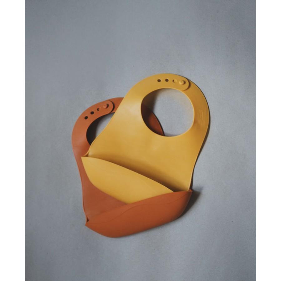 Filibabba - Śliniak gumowy z kieszonką Golden Mustard - Esy Floresy
