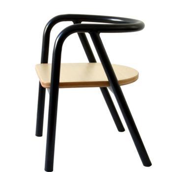charlie-crane-krzeselko-dzieciece-hito-black